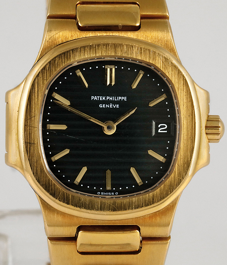 Patek Philippe Nautilus RefId 4700 Jahr 1990 Damenuhren | Meertz World of Time